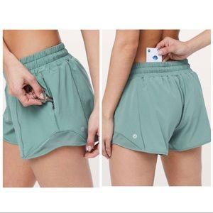 """Lululemon Hotty Hot Shorts 4"""" Frosted Pine, 4"""